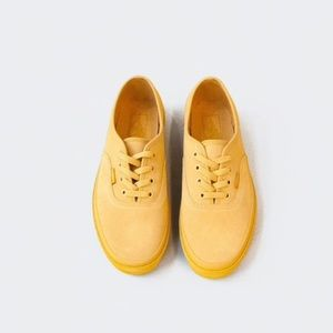 2d18b90e424 Vans Shoes - Vans Suede outsole authentic platform 2.0